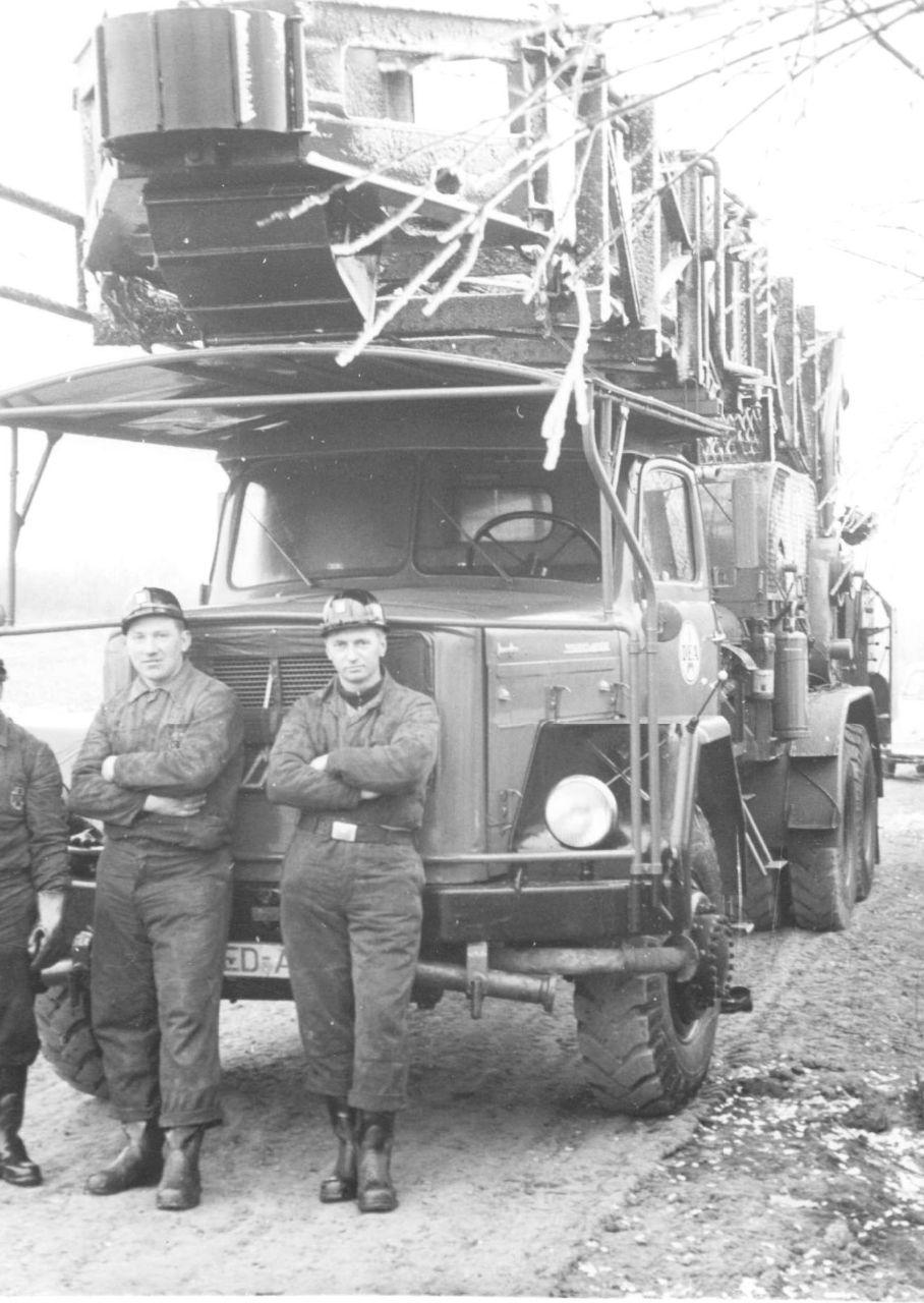 Laster mit Bohrgerät 1956