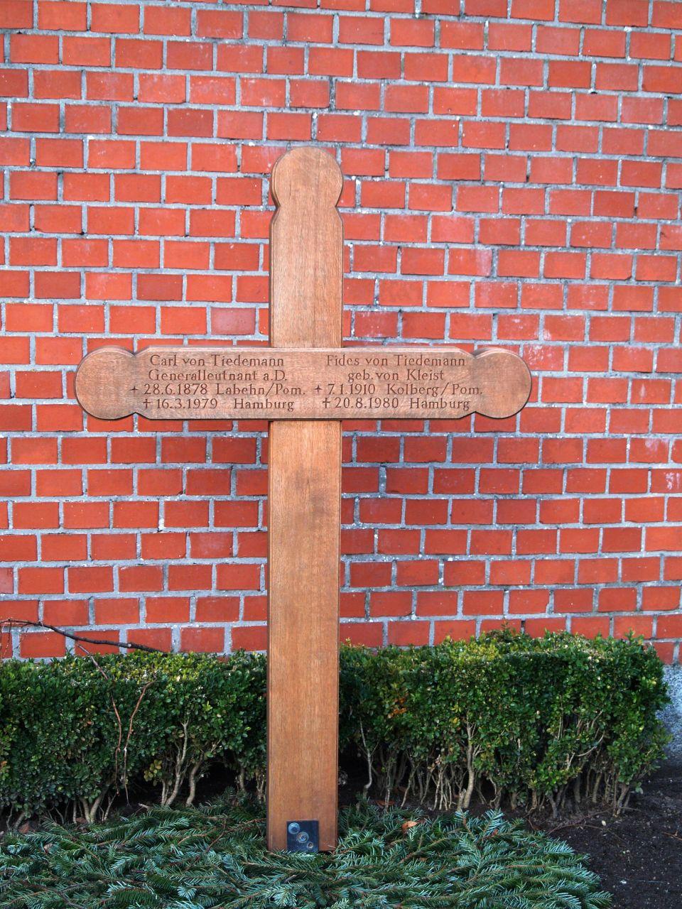 Grabkreuz von Tiedemann