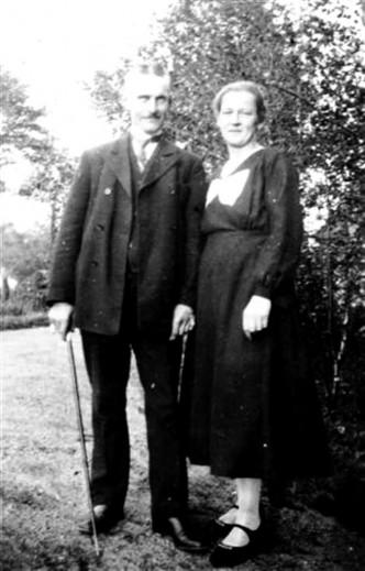 Ötje-Bäcker und Emmi Tietgen