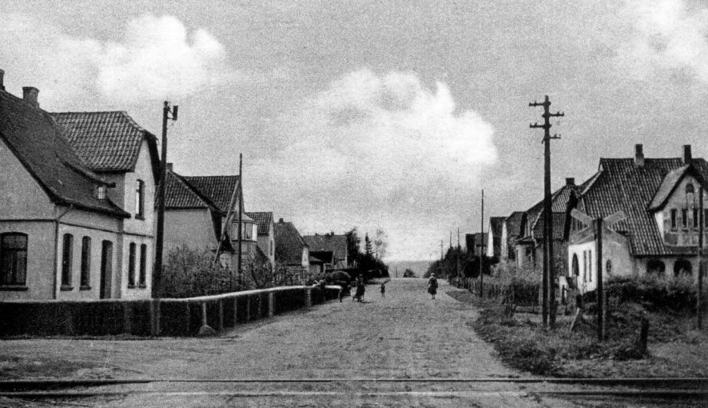 Bahnhofstraße mit Gleis