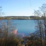 Blick aus dem Fenster auf den See