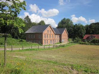 Depenauer Mühle im Tal