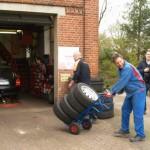 Robert Habeck holt die Reifen