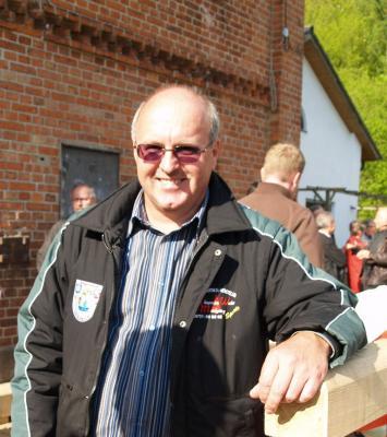 Der Vorsitzende des Stolper Angelvereins Prof. Gohlke