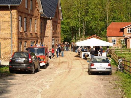 Kleines Fest vor großer Mühle