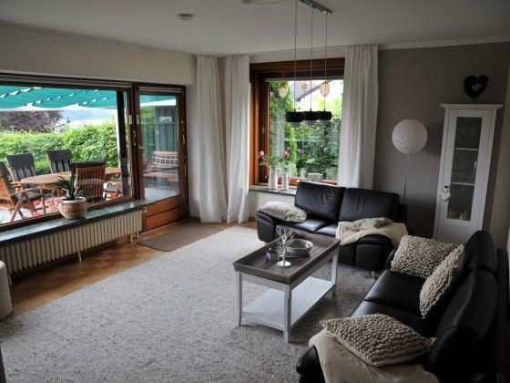 Das Wohnzimmer mit Seeblick