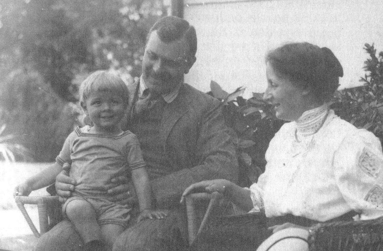Wilhelm H mit Frau und Rudolf