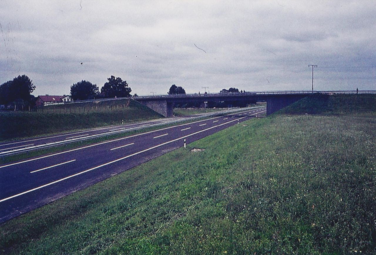 Fertige Brücke Dorfstraße