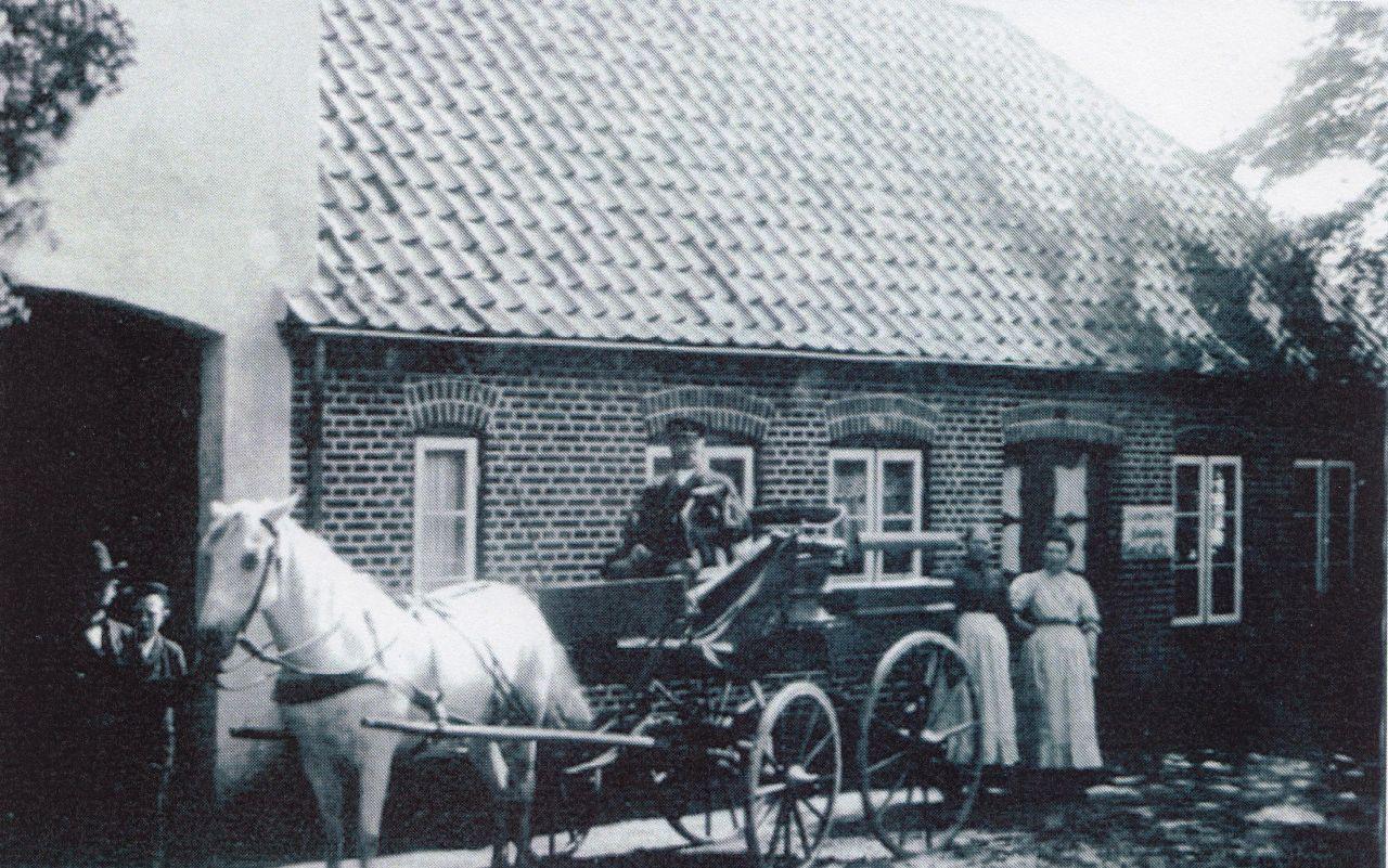 Kutsche vor dem Laden 1941
