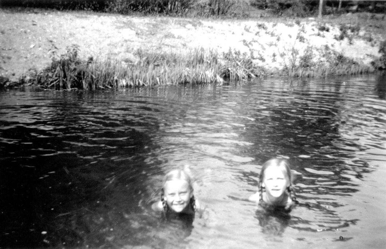 Gertrud und Karla in der Schwentine