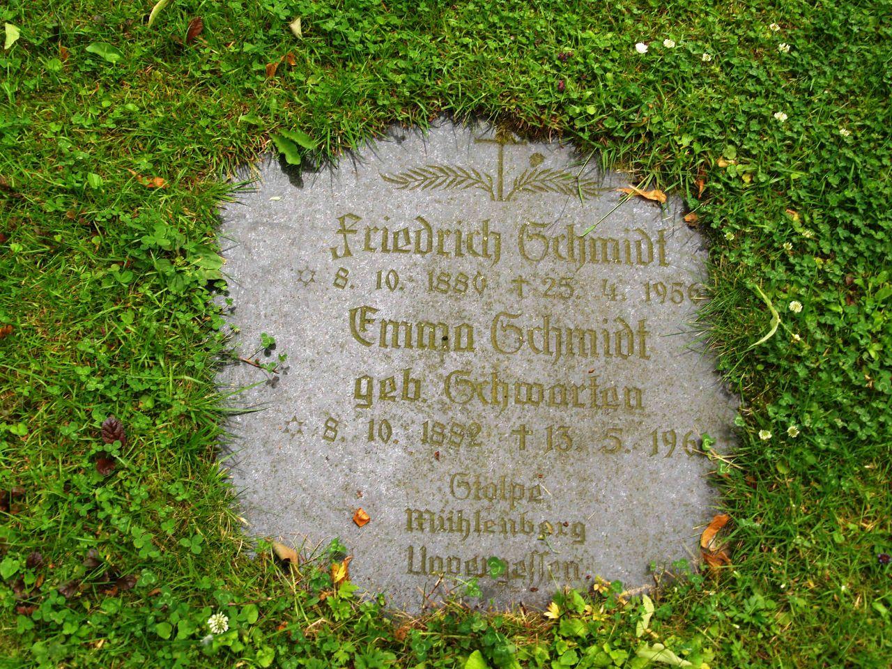 Grabstein von Friedrich und Emma Schmidt