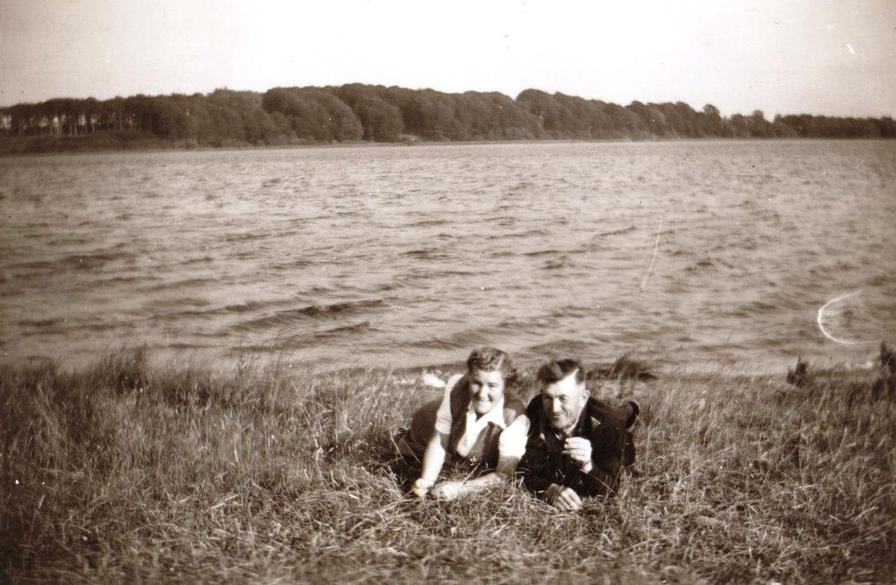 Hans und Dora Stoffer am Stolper See