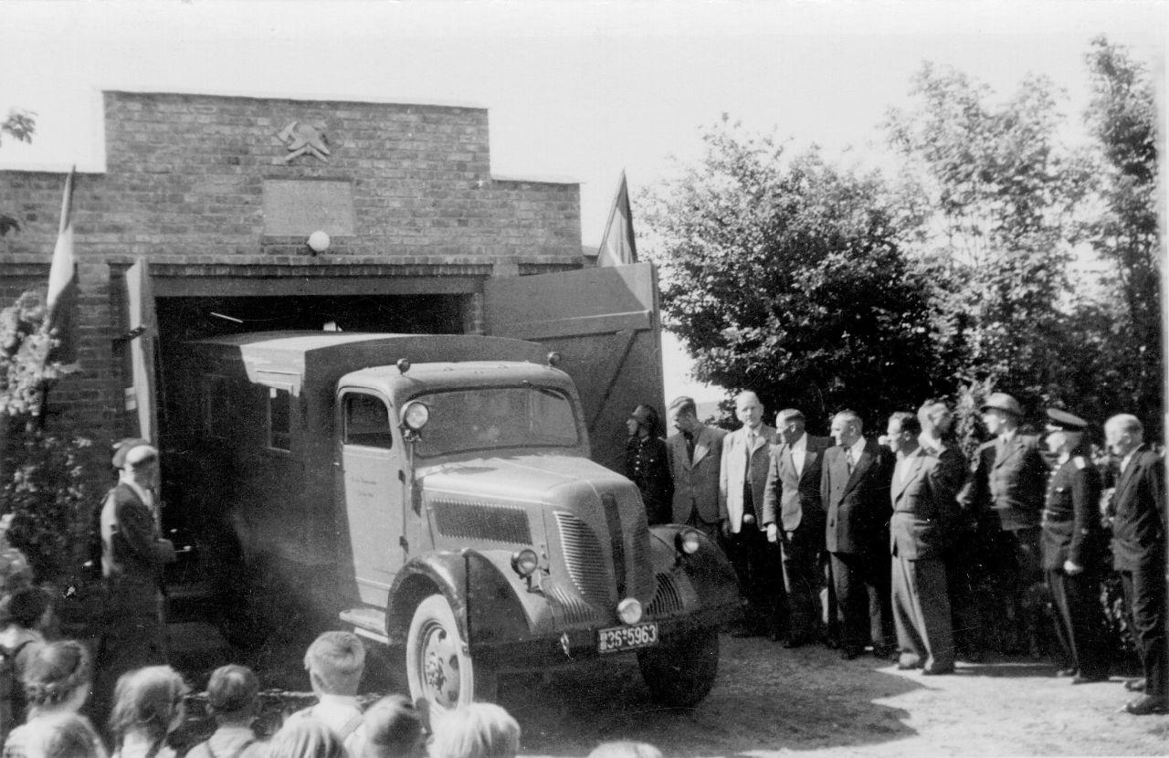 Einweihung altes Feuerwehrgerätehaus 1951