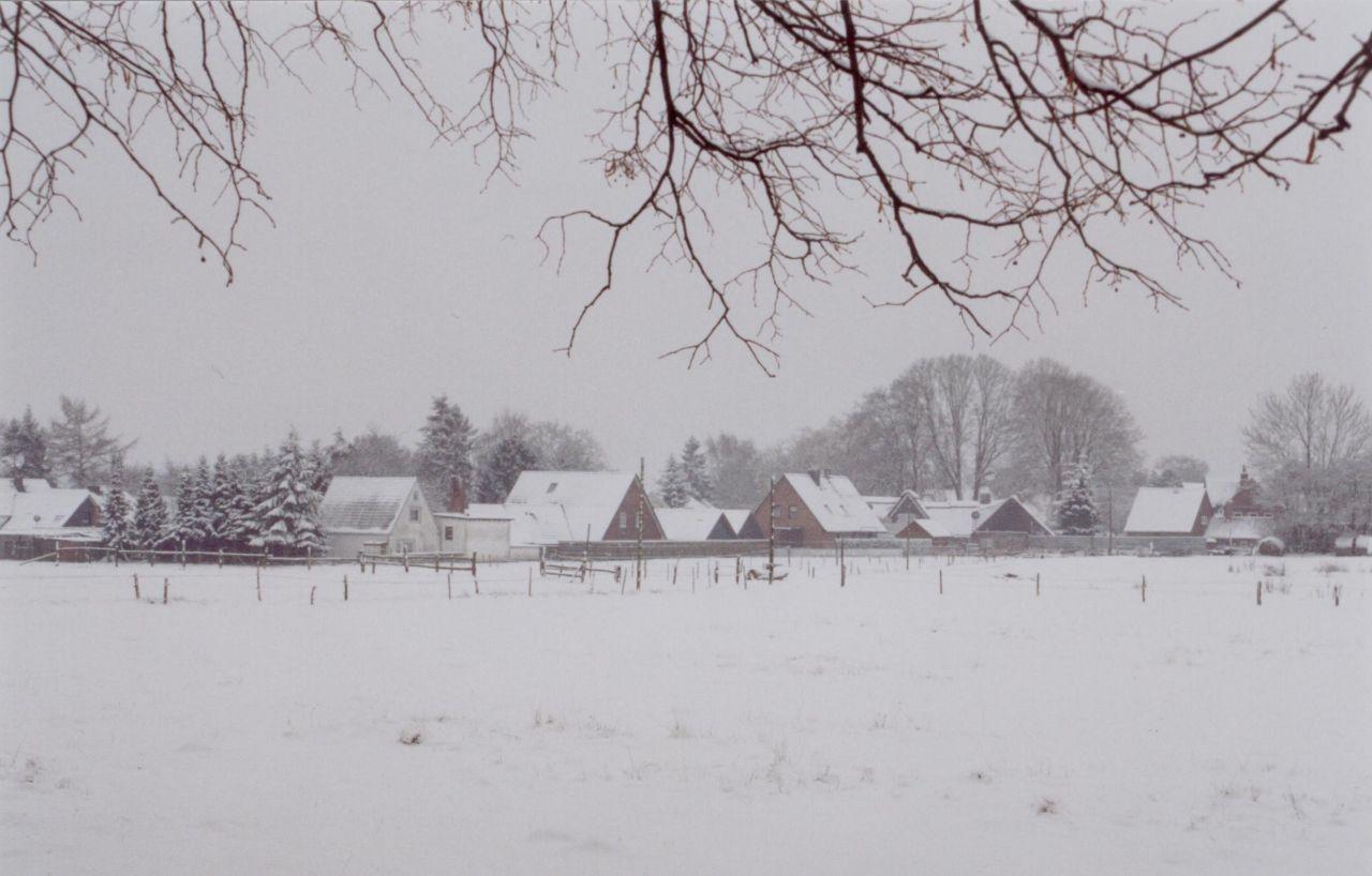 Häuser am Heiratsberg im Schnee