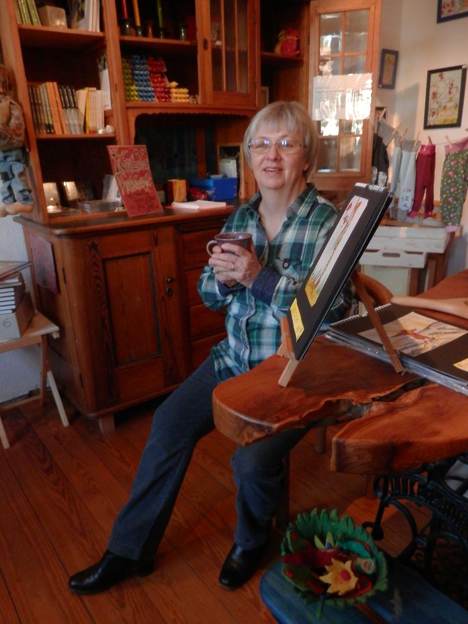 Birgith Boettcher-Gromoll im Laden