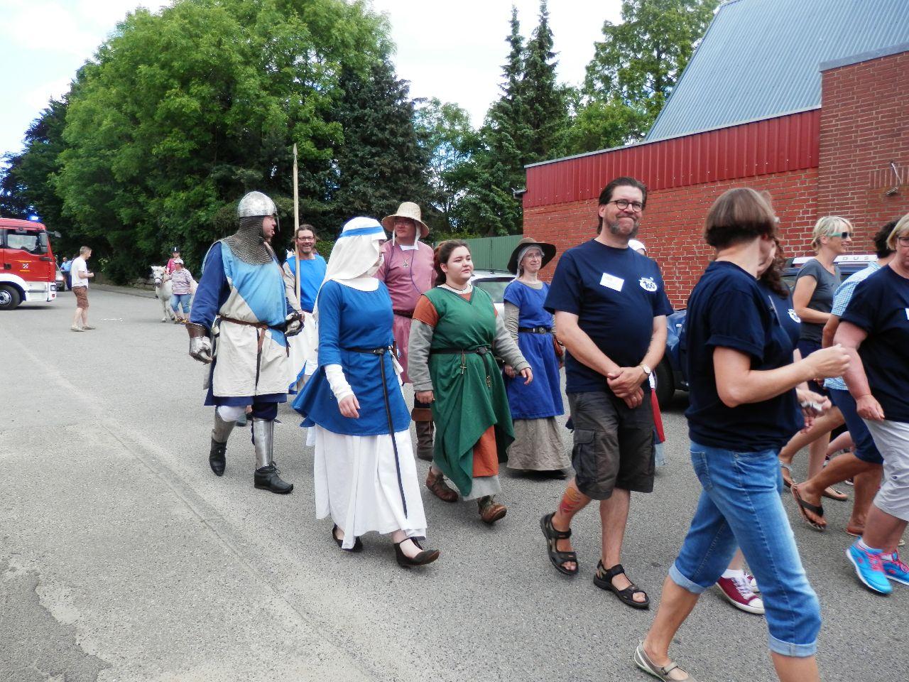 Mittelalter-Flair im Zug