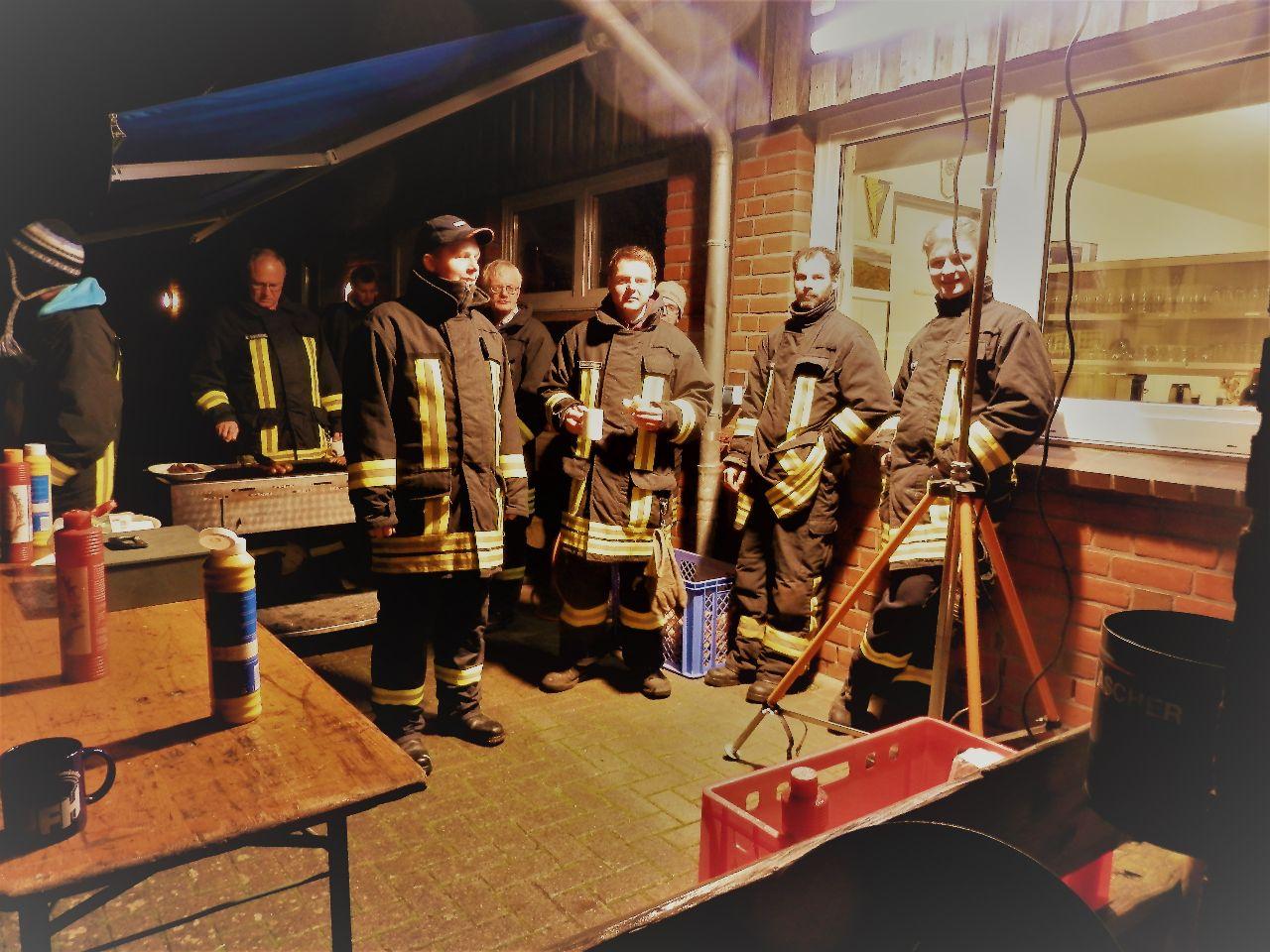 Unsere Feuerwehr am Grill