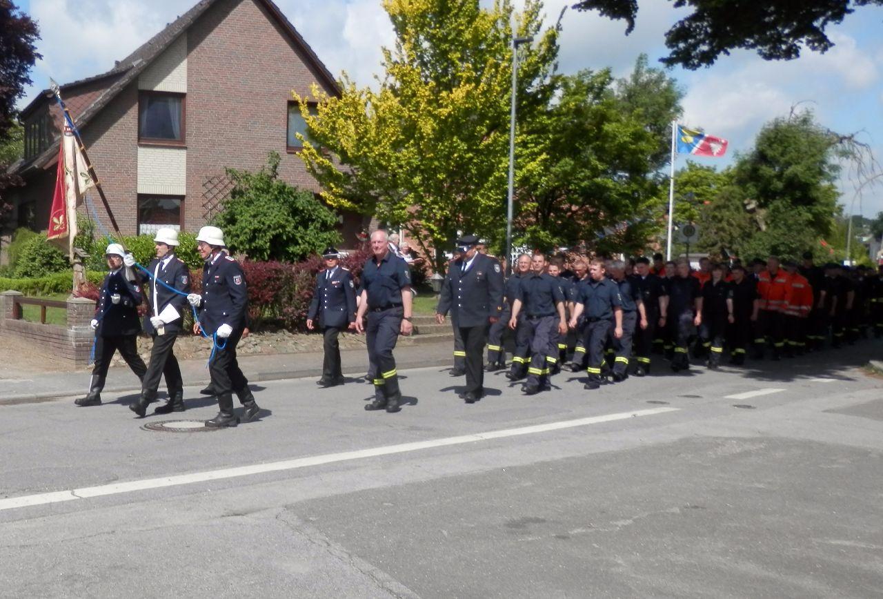 Kameraden der Stolper Feuerwehr