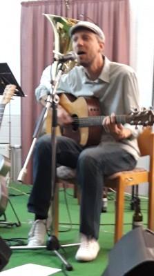 Akustikgitarre Janós Horváth